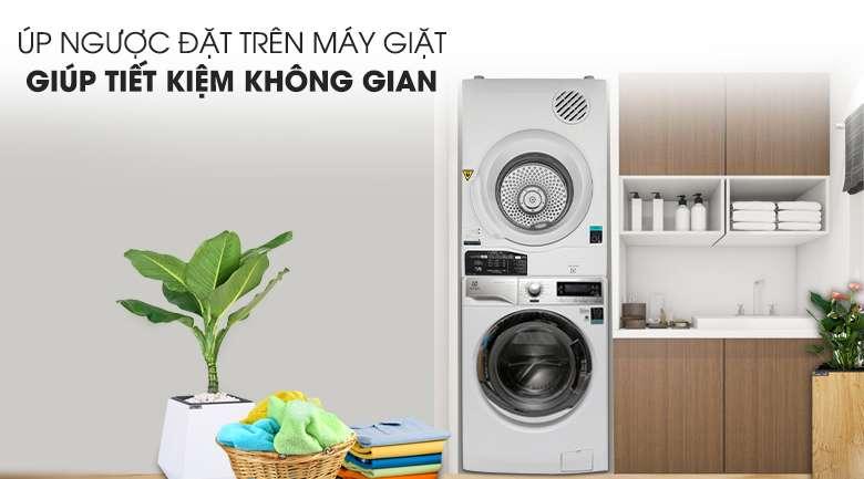 Chồng ngược máy sấy lên máy giặt - Máy sấy Electrolux 8 Kg EDV805JQWA