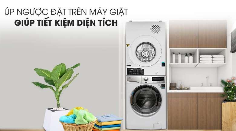 Đặt chồng ngược lên máy giặt - Máy sấy Electrolux 7 Kg EDV705HQWA